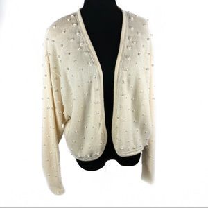 Beautiful vintage pearls sweater
